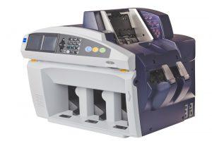 Купить сортировщик банкнот Glory USF-300 по низкой цене с доставкой по Москве и Московской области. Технические характеристики и отзывы покупателей.